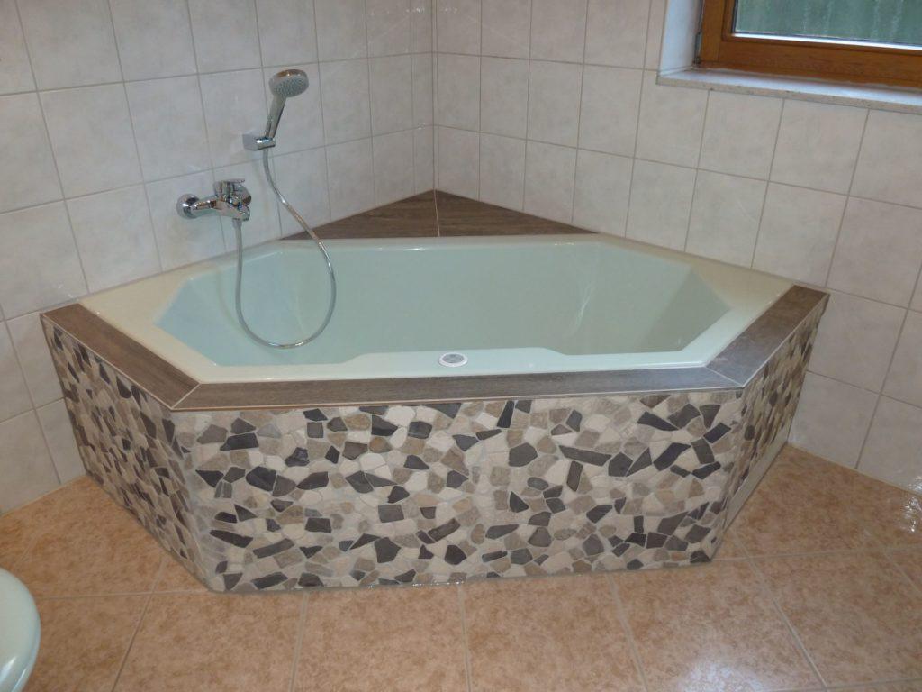 Teilrenovierung Eines Bades Mit Exklusiver Badwannenverkleidung In