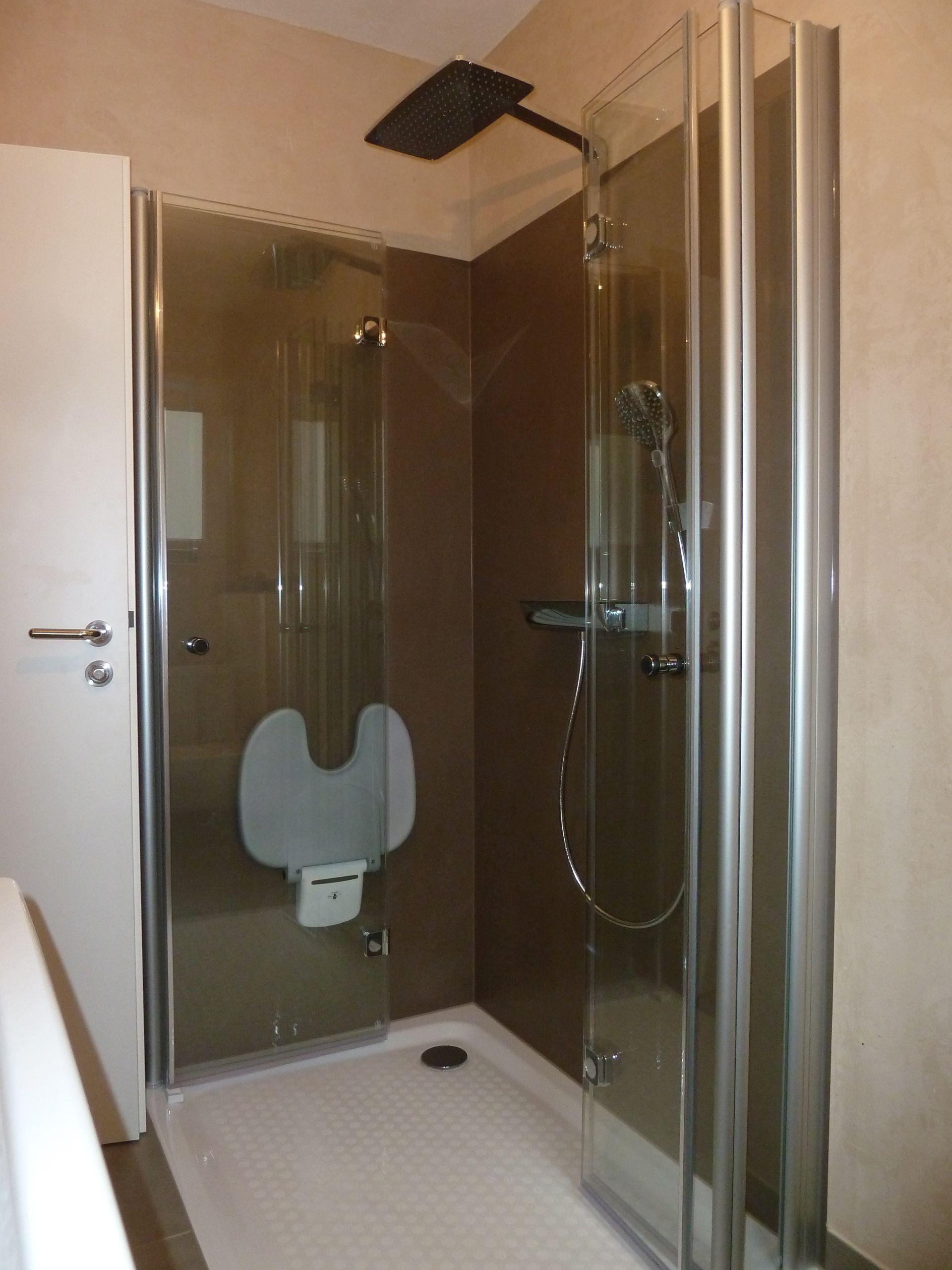 Perfekte Badsanierung mit Woglfühlhygiene | WILL Bad & Heizung Fulda