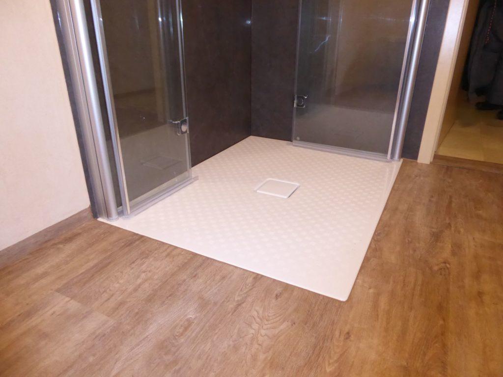 duschkabine klappbar affordable fr badewanne klappbar mit eckwanne dass badewanne mit wannenfen. Black Bedroom Furniture Sets. Home Design Ideas