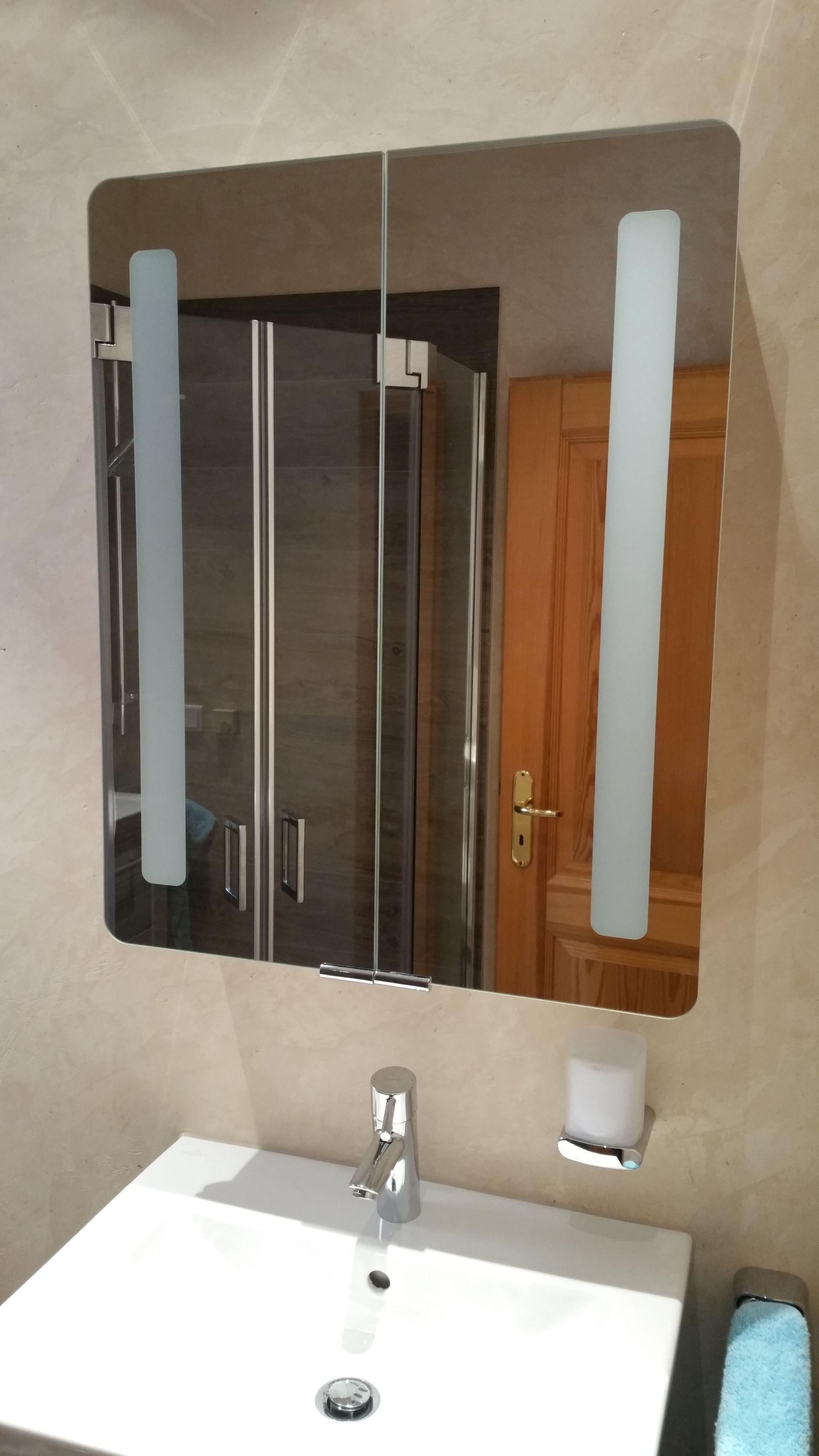 badezimmer bauen kleine badezimmer renovieren und praktisch with badezimmer bauen elegant haus. Black Bedroom Furniture Sets. Home Design Ideas